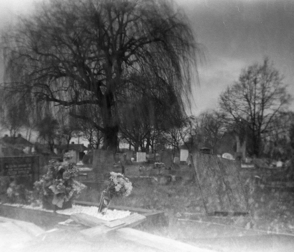 London Croydon Cemetery Pajtás géppel Nagy Zopán 2020 január